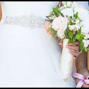 Pronovias Benicarlo Wedding Dress